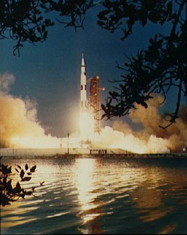 Apollo  6 lifting off from Cape Canaveral, Florida, NASA photo apollo6_launch.jpg