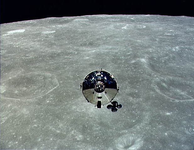 "Apollo 10 CSM ""Charlie Brown"" photographed from the LM ""Snoopy"" in Lunar orbit, NASA photo apollo_10_cm.jpg"