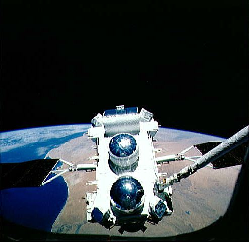 Compton Gamma Ray Observatory being deployed into Earth orbit from STS 37, NASA photo cgro.jpg