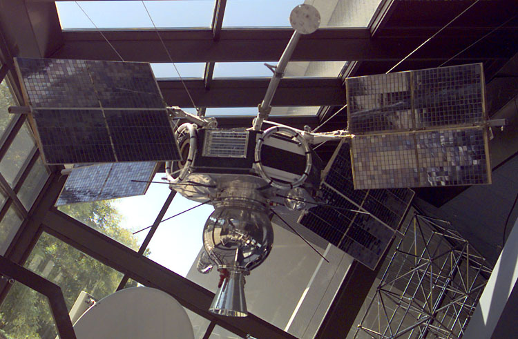 NASA photo, Explorer 33 display model explorer33.jpg