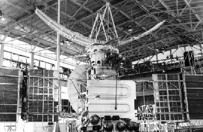 USSR Venera 16 Venus orbiter, photo courtesy of NASA venera1516.jpg