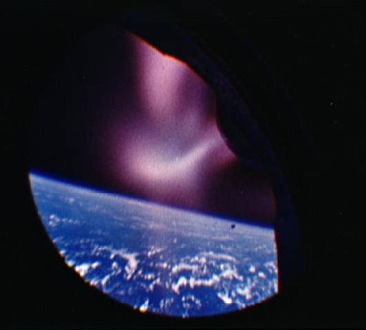Exoatmospheric horizon view, taken from the unmanned Gemini 2 spacecraft, NASA photo gemini_2.jpg