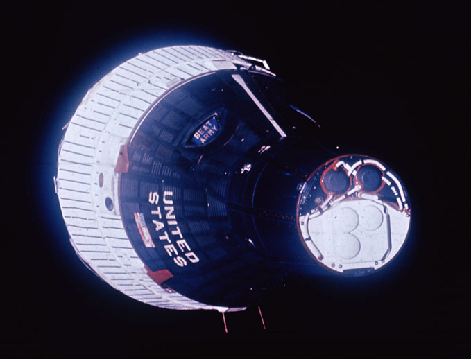 Gemini  6A photographed from Gemini 7, NASA photo gemini_6.jpg