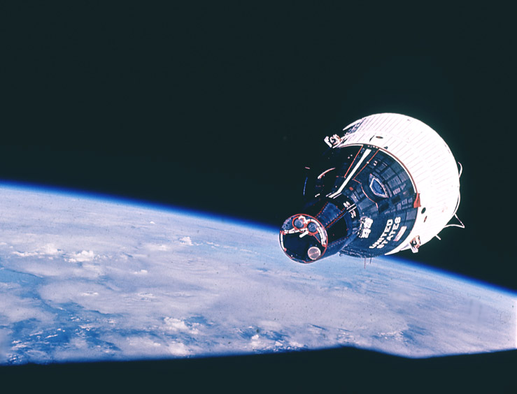 Gemini 7 in orbit above the Earth, as seen from Gemini 6A in rendezvous, NASA photo gemini_7.jpg