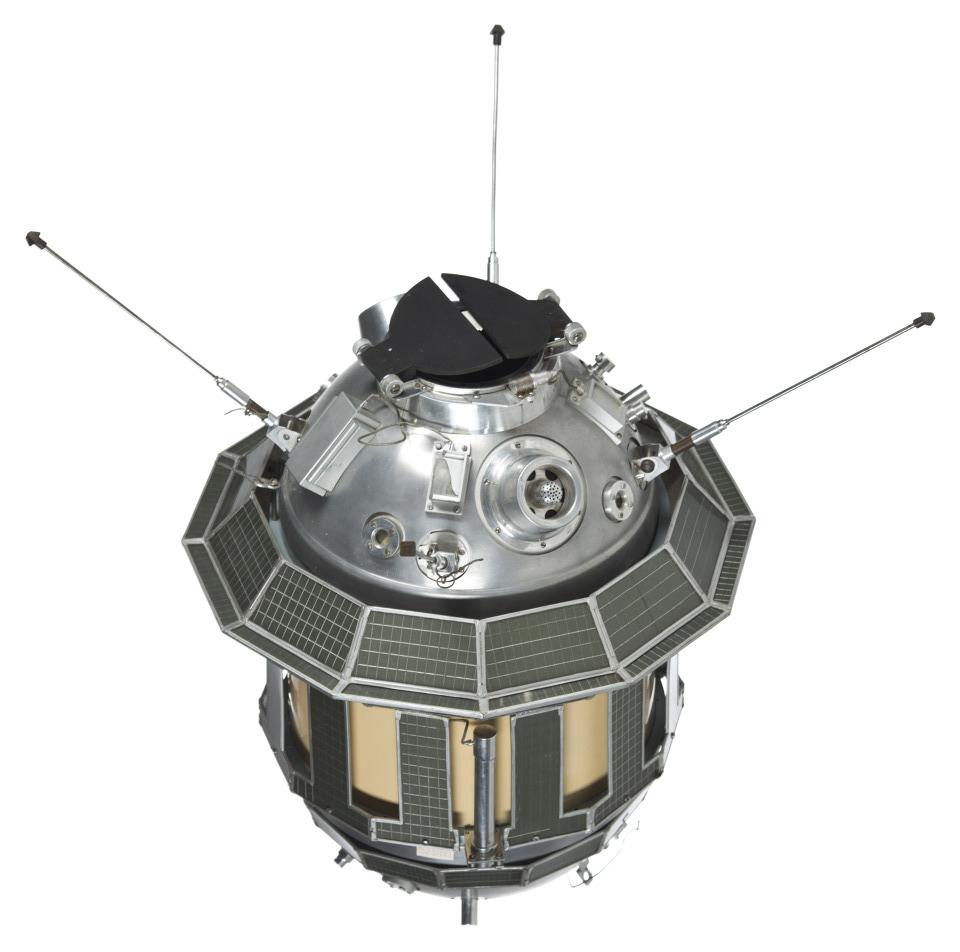 Luna 3, USSR Moon probe Source: NSSDCA Master Catalog luna_3_render.jpg