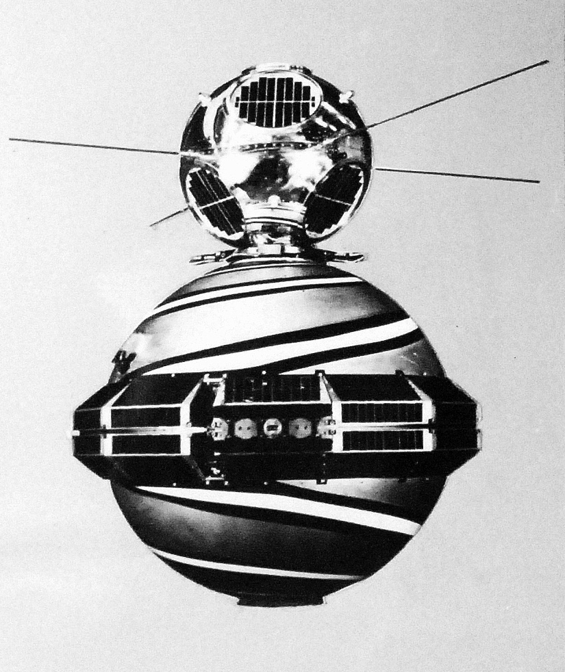 Transit 2A and SOLRAD 1 in launch configuration, NASA photo Source: NSSDCA Master Catalog transit_2a_solrad_1.jpg